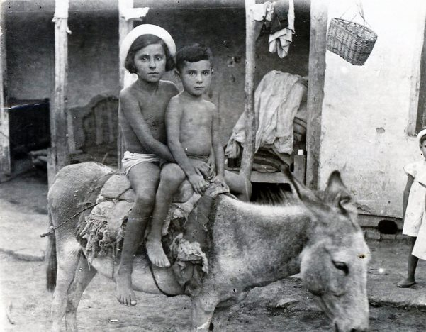 Siblings Salya & Mark Klionsky(1938-2015) in Kerki, Turkmenistan, 1943